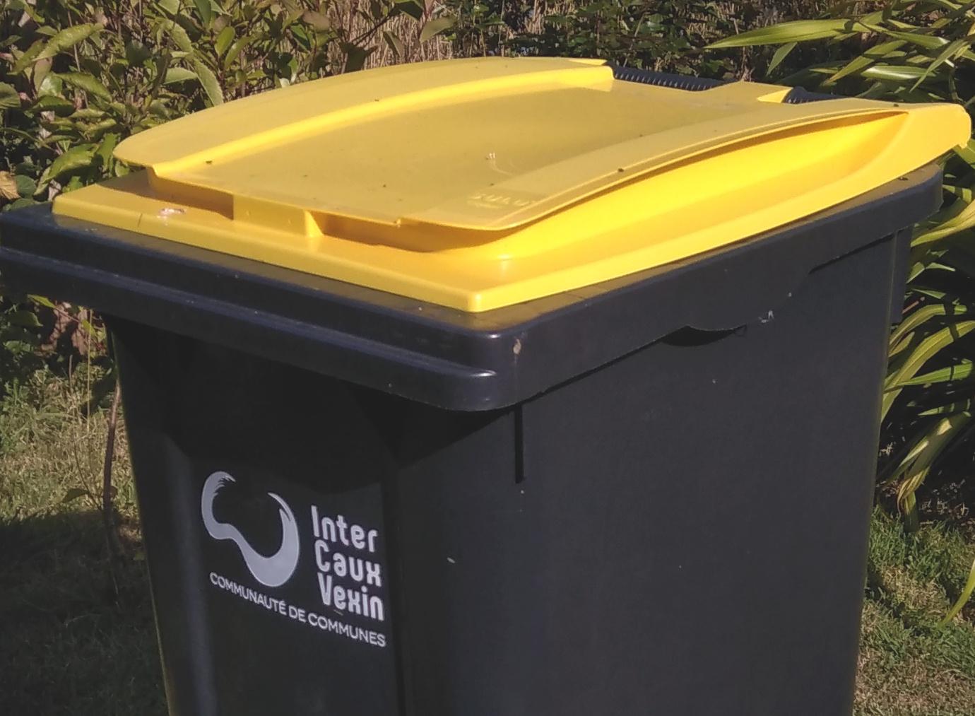 Bacs jaunes pour déchets recyclables