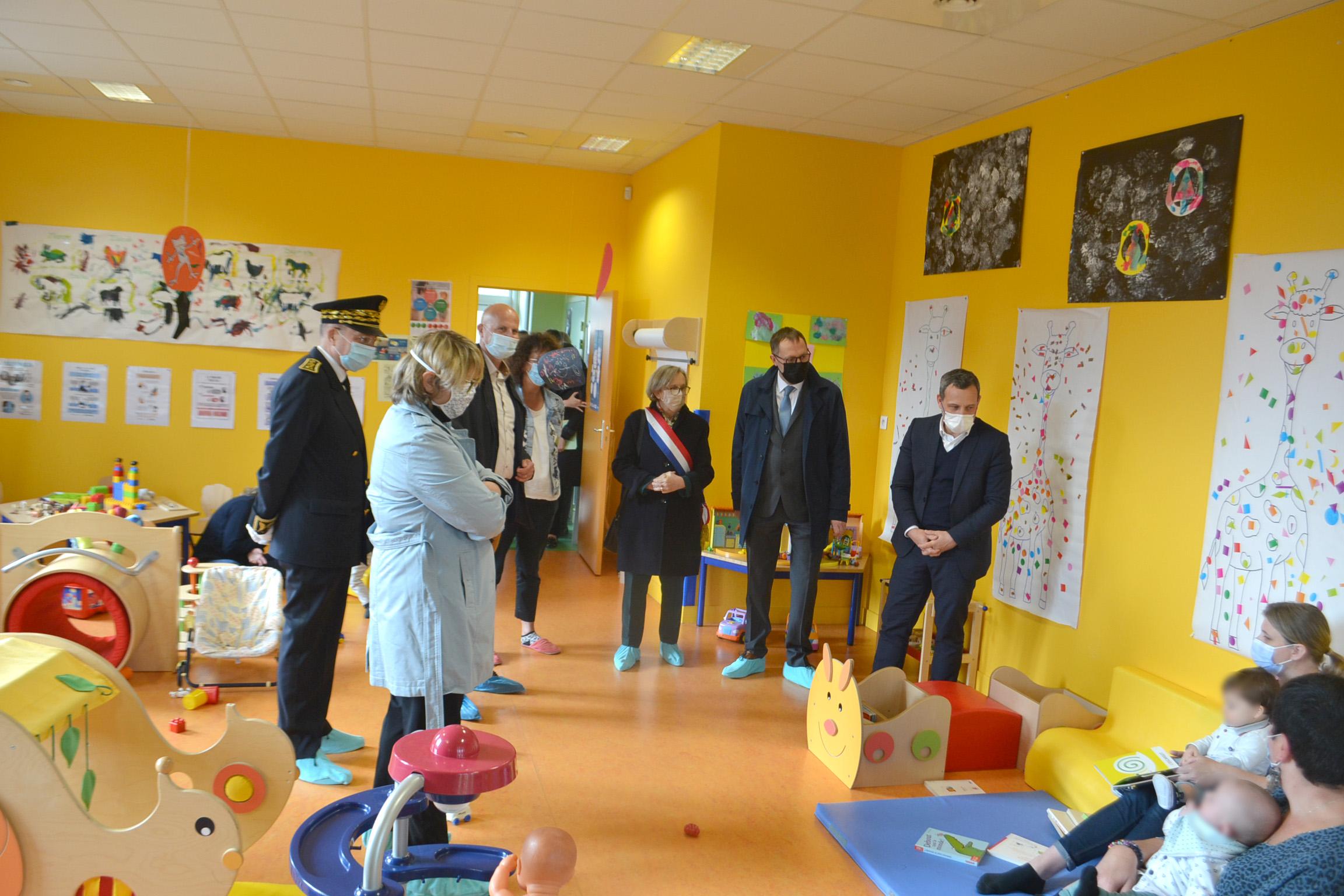Visite d'Adrien Taquet Secrétaire d'État chargé de l'Enfance et des Familles